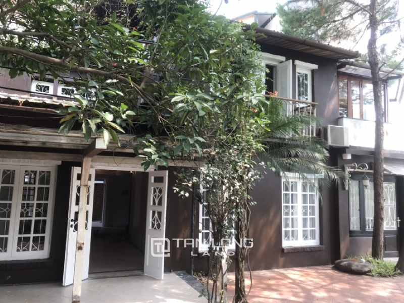 250sqm-2bedrooms a villas for rent in Tu Hoa street, Tay Ho district 4
