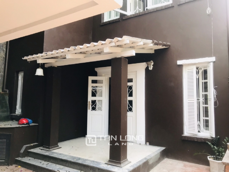 250sqm-2bedrooms a villas for rent in Tu Hoa street, Tay Ho district 6