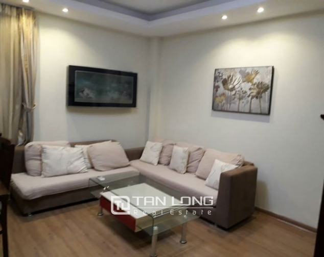 3 BEBROOM APARTMENT FOR RENT ON GIANG VO, BA DINH 1