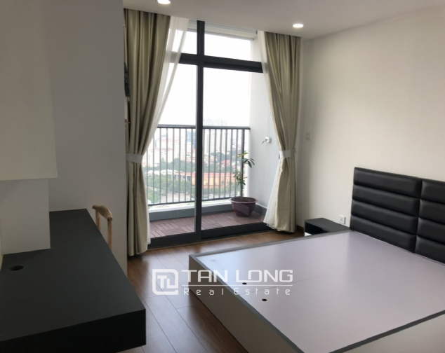 3 bedroom apartment for rent in Discovery Complex Cau Giay 4