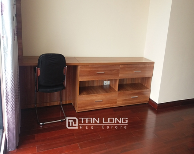 3 bedroom apartment for rent in R4 Vinhomes Royal City, Thanh Xuan dist 8