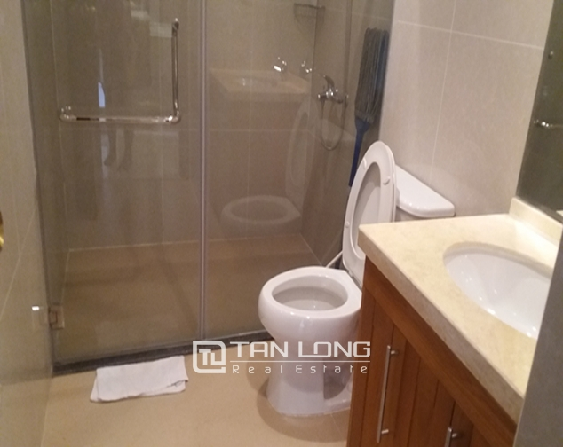 3 bedroom apartment for rent in R4 Vinhomes Royal City, Thanh Xuan dist 10