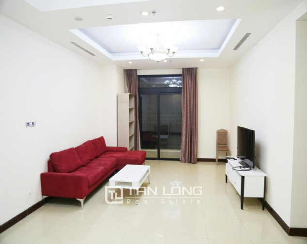 3 bedroom apartment for rent in R5 Vinhomes Royal City, charming and bright 1
