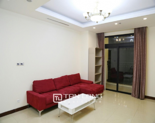 3 bedroom apartment for rent in R5 Vinhomes Royal City, charming and bright 2