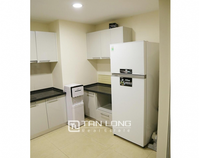 3 bedroom apartment for rent in R5 Vinhomes Royal City, charming and bright 4
