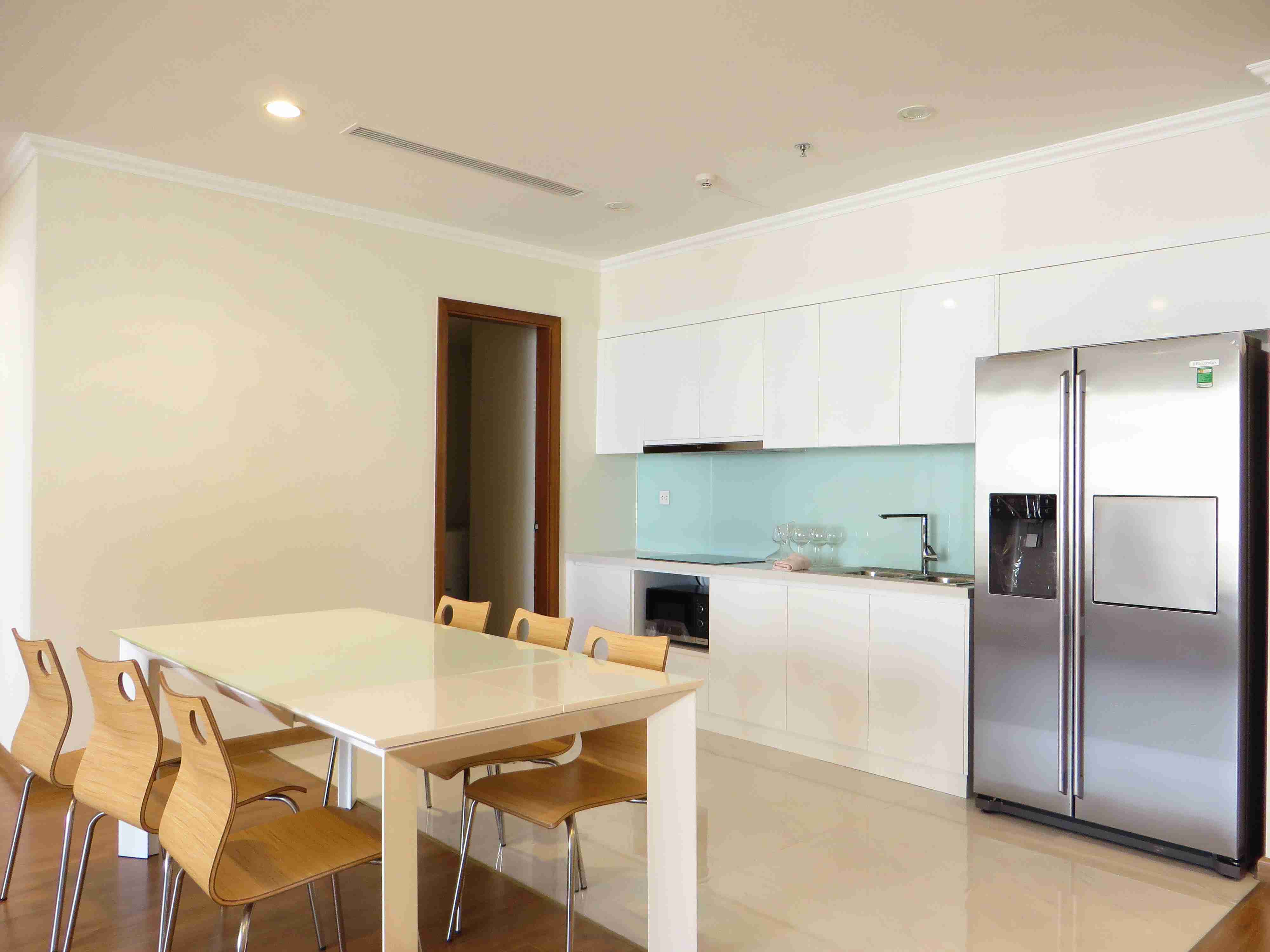 3 bedroom apartment for rent in Vinhomes Nguyen Chi Thanh