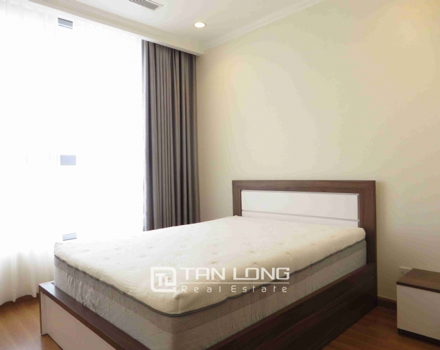 3 bedroom apartment for rent in Vinhomes Nguyen Chi Thanh 5