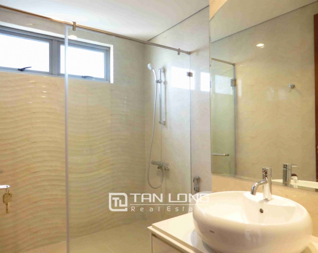 3 bedroom apartment for rent in Vinhomes Nguyen Chi Thanh 9