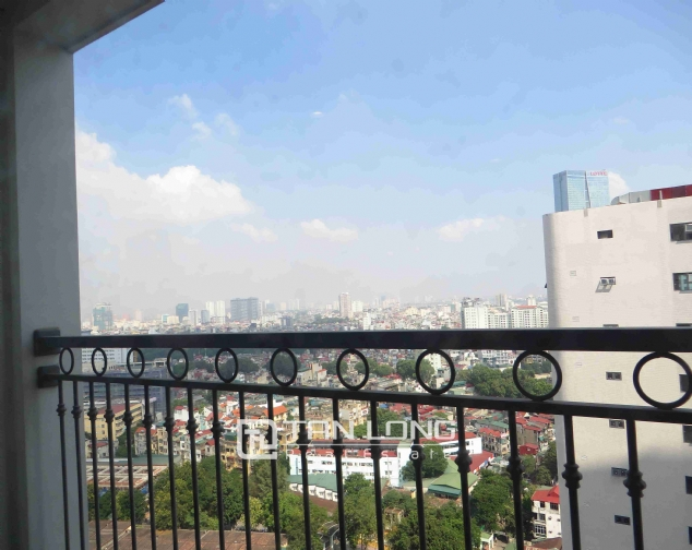 3 bedroom apartment for rent in Vinhomes Nguyen Chi Thanh 10