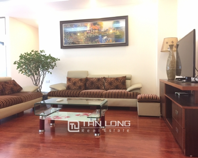 3 bedroom apartment for rent on Lane 275, Au Co street, Tay Ho 2