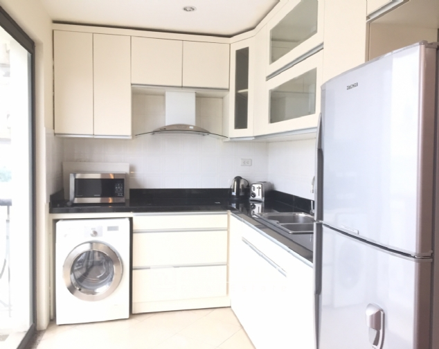 3 bedroom apartment for rent on Lane 275, Au Co street, Tay Ho 4