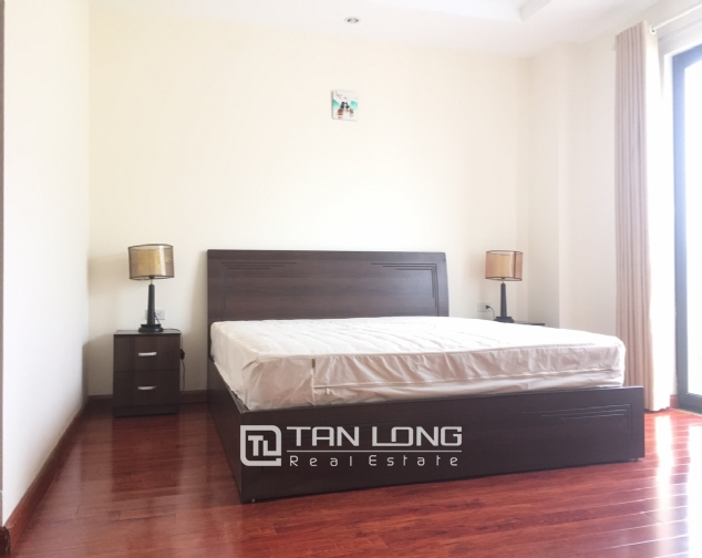 3 bedroom apartment for rent on Lane 275, Au Co street, Tay Ho 8