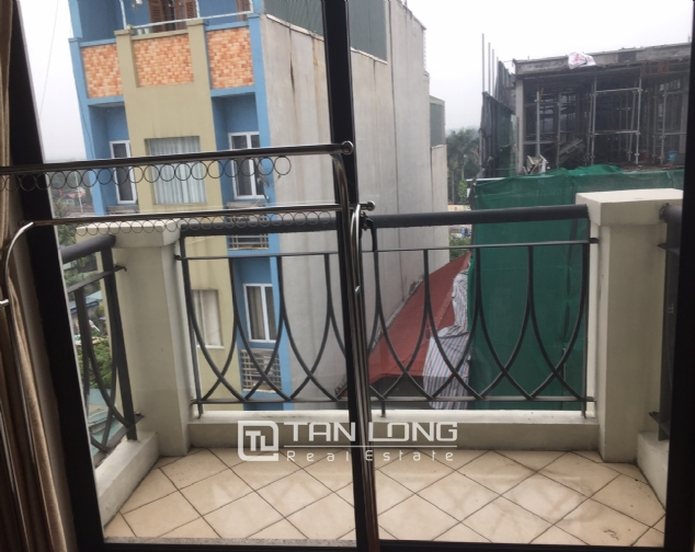 3 bedroom apartment for rent on Lane 275, Au Co street, Tay Ho 9