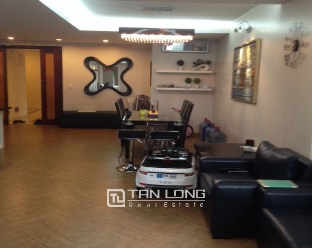 3 bedroom apartment with full furniture for sale in E4 Ciputra Hanoi 2