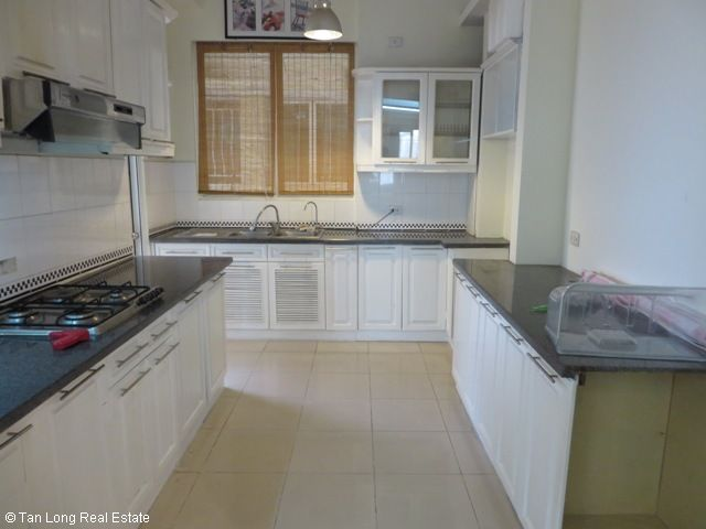 3 bedroom apartment with full furniture for sale in G3 Ciputra, Tay Ho district, Hanoi 8
