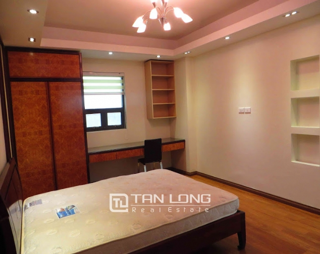 3 bedroom serviced apartment for rent on Doi Can 1