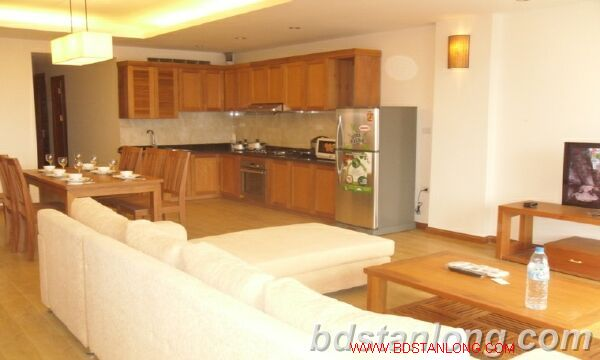 3 bedroom serviced apartment in Cau Giay district, Hanoi. 3