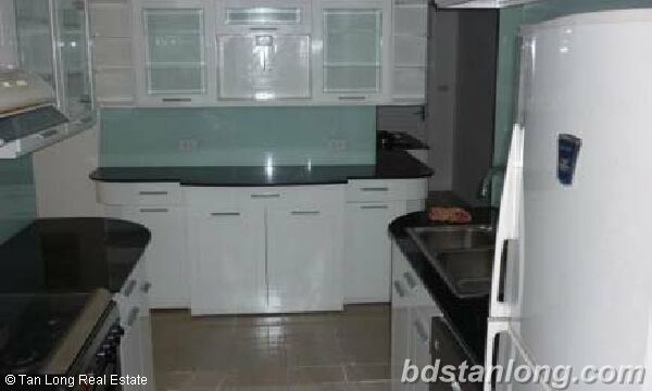 3 bedrooms apartment in P2 Ciputra for rent. 4