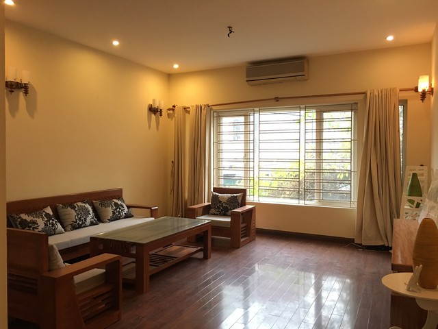 3 bedrooms house for lease in Au Co str., Tay Ho dist., Hanoi