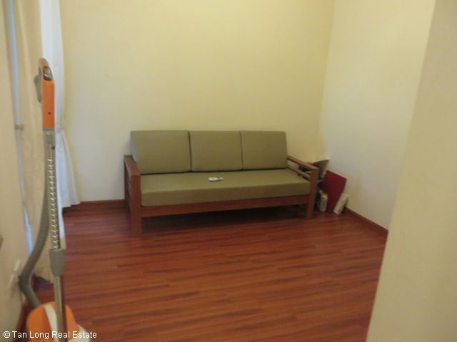 3 nice bedrooms flat for lease in high floor P2 Tower, Ciputra at 1100 USD 1