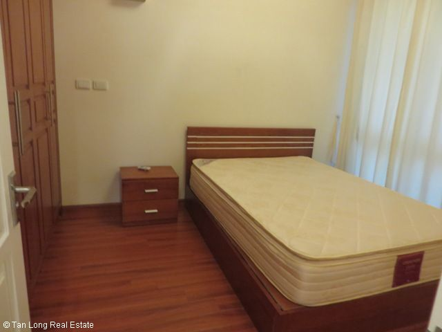 3 nice bedrooms flat for lease in high floor P2 Tower, Ciputra at 1100 USD 2