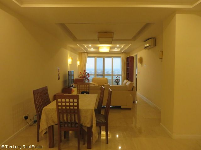 3 nice bedrooms flat for lease in high floor P2 Tower, Ciputra at 1100 USD 3