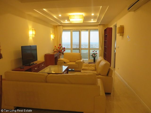 3 nice bedrooms flat for lease in high floor P2 Tower, Ciputra at 1100 USD 4