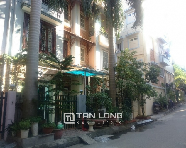 3.5 storey house for rent in Hoang Hoa Tham, Ba Dinh district, available garage 2