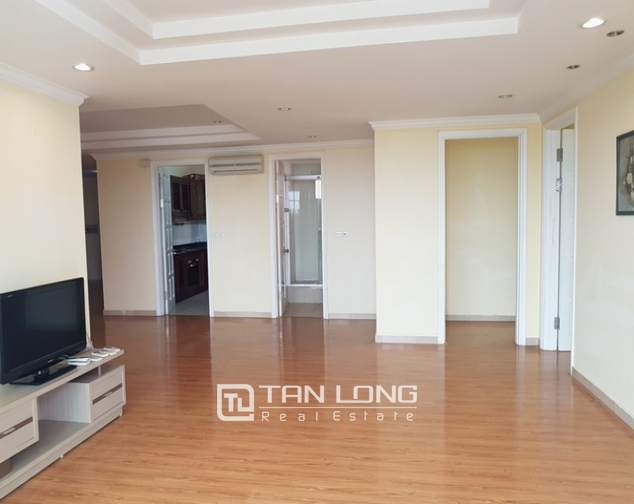 4 bedroom apartment for rent at Ciputra, Tay Ho distr., Hanoi 4