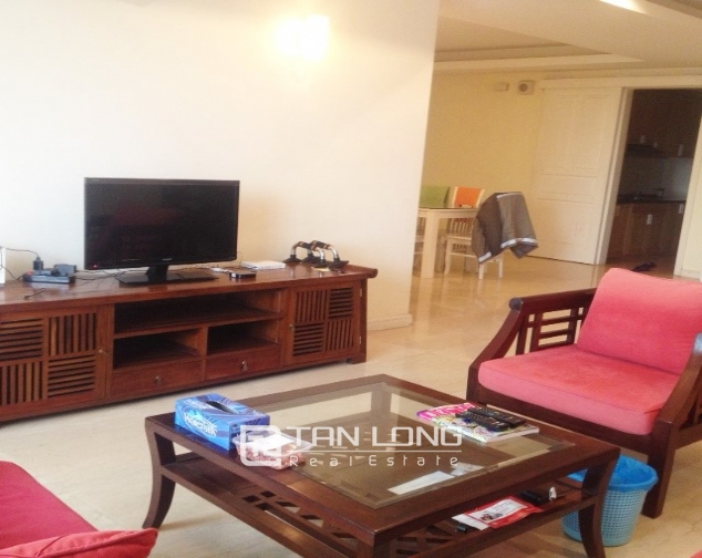 4 bedroom apartment for sale with furniture in P1 Ciputra, Bac Tu Liem dist 3
