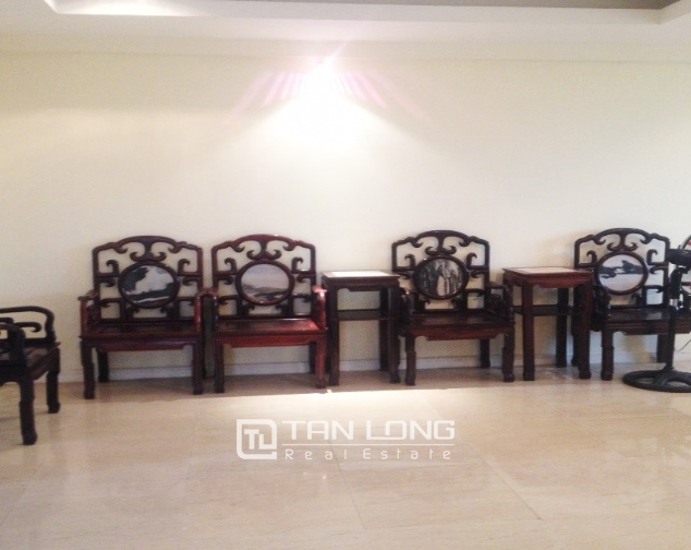 4 bedroom apartment for sale with furniture in P1 Ciputra, Bac Tu Liem dist 4