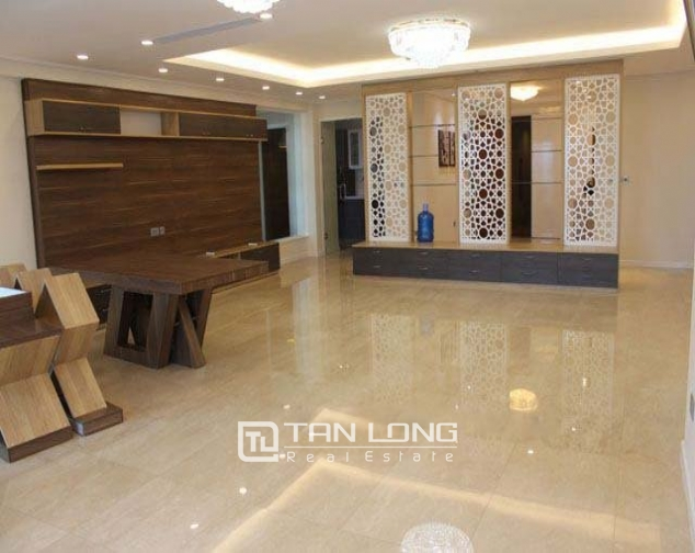 4 bedroom apartment to sell in L1 Ciputra Hanoi 2