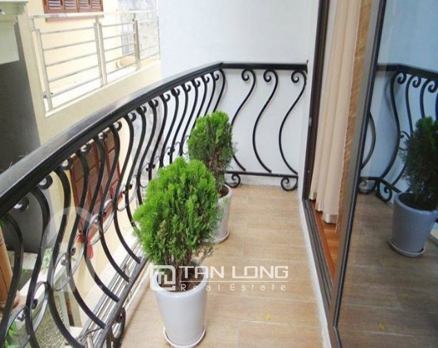 4 bedroom house for rent on 113 alley, Dao Tan street 8