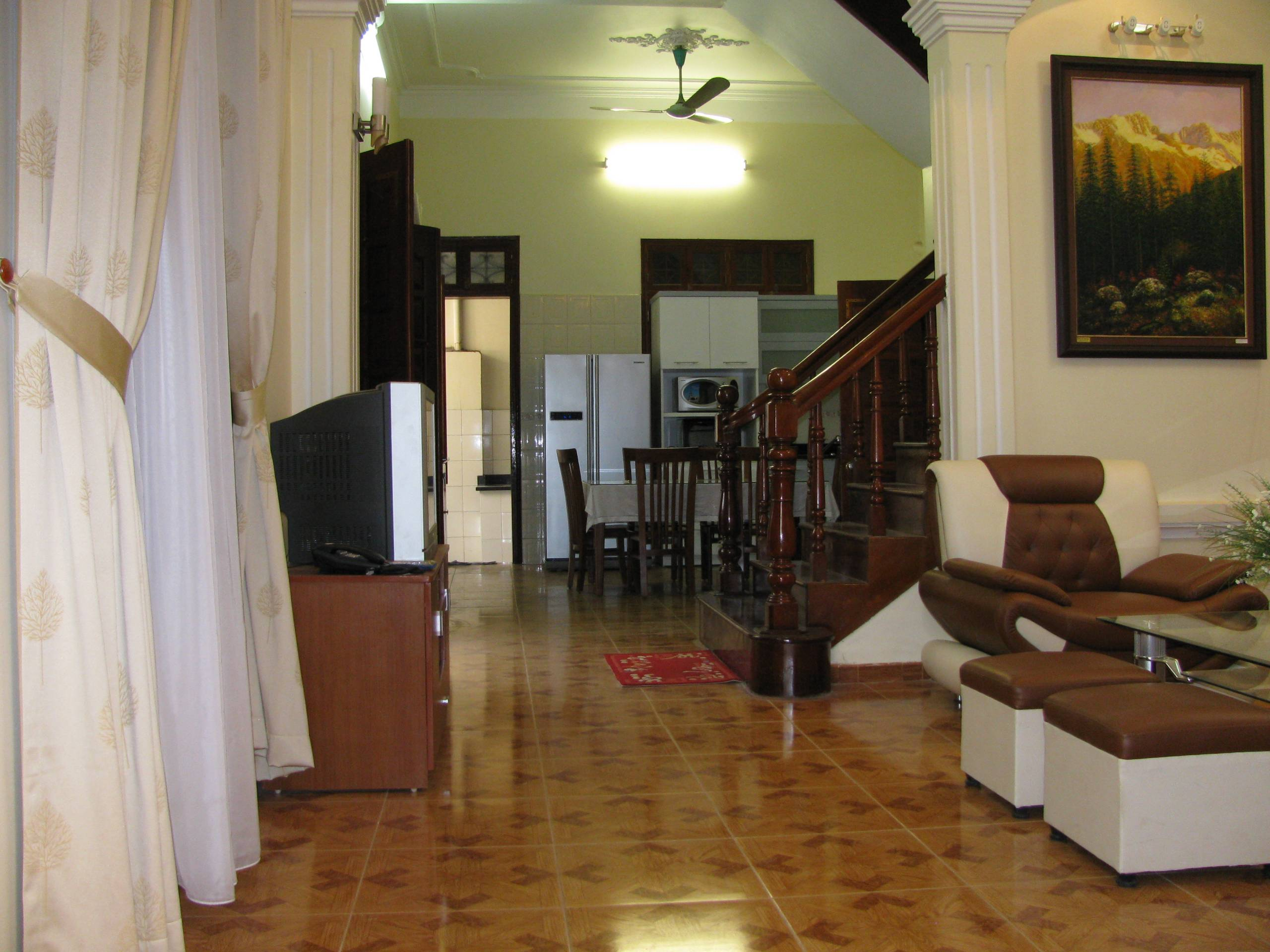 4 bedroom house for rent on Lane 376, Buoi street, Ba Dinh