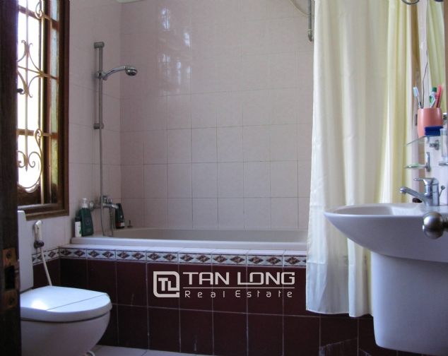 4 bedroom house for rent on Lane 376, Buoi street, Ba Dinh 4