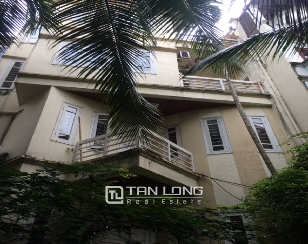 4 bedroom house for rent on Thong Phong, Dong Da 1