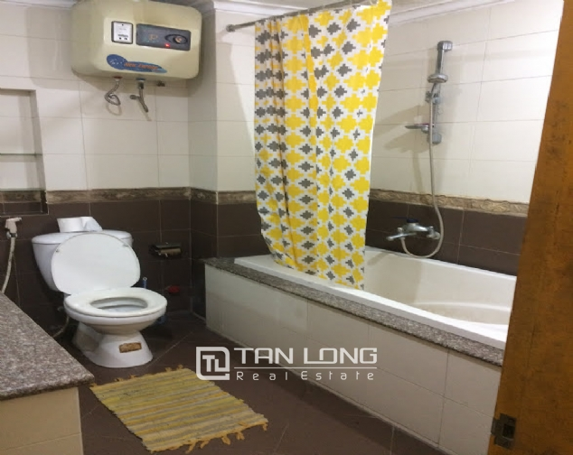 4 bedroom house for rent on Thong Phong, Dong Da 9
