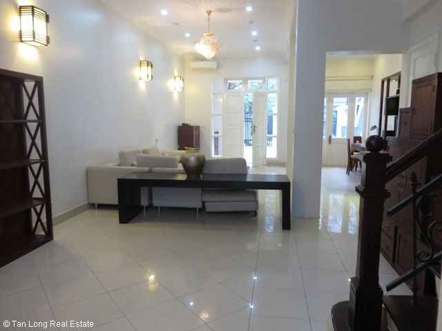 4 bedroom villa for lease in C4 Ciputra, fully furnished, capacious, new exposure 7