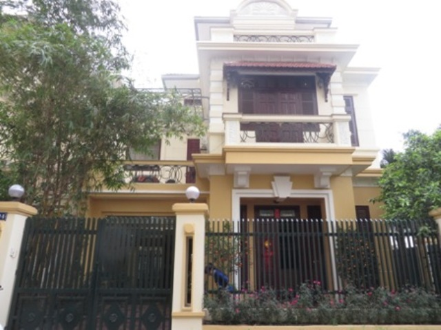 4 bedroom villa for rent in G1 Ciputra, Tay Ho district, spacious and bright