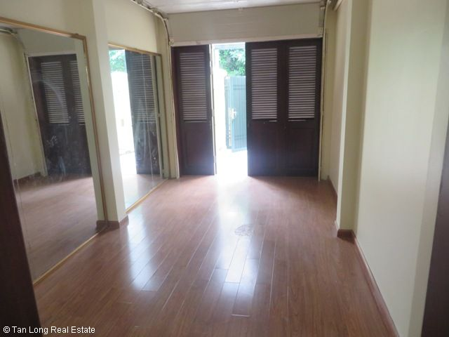 4 bedroom villa with garden for rent in C1 Ciputra, Tay Ho dist, Hanoi 5