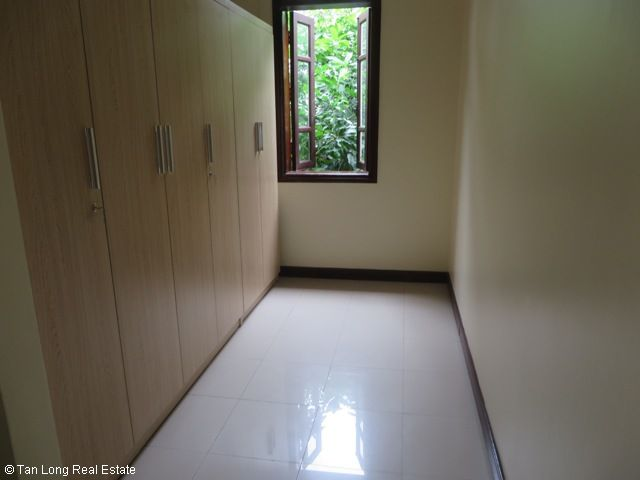 4 bedroom villa with garden for rent in C1 Ciputra, Tay Ho dist, Hanoi 8