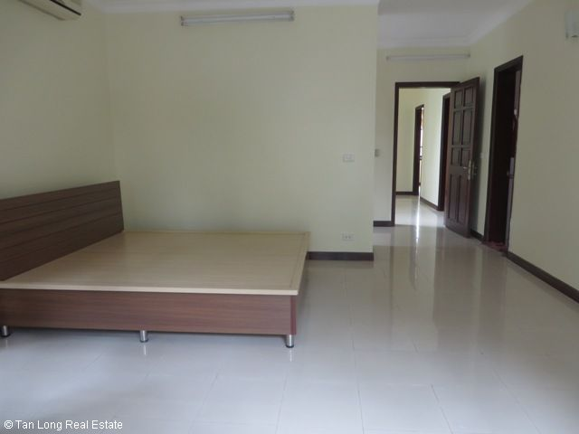 4 bedroom villa with garden for rent in C1 Ciputra, Tay Ho dist, Hanoi 10