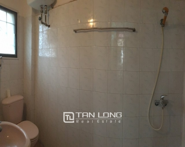 4 bedrooms for lease in Au Co str, Tay Ho dist., Hanoi 10