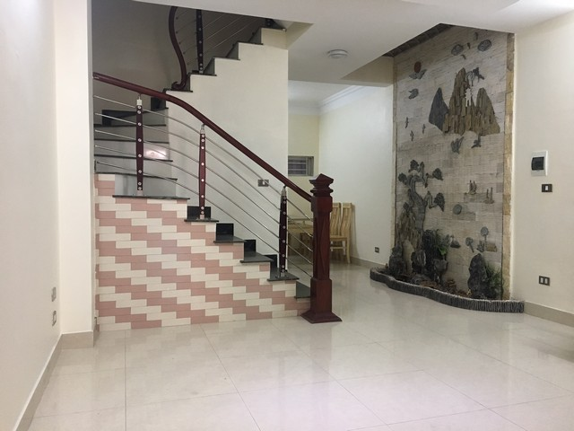 4 bedrooms house for lease in Au Co str., Tay Ho dist., Hanoi