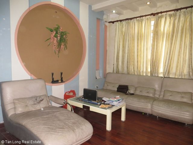 4 fully furnished house to rent on Tran Duy Hung street, Trung Hoa Nhan Chinh area, Cau Giay district 4