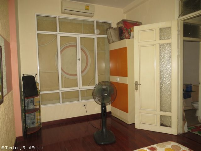 4 fully furnished house to rent on Tran Duy Hung street, Trung Hoa Nhan Chinh area, Cau Giay district 9