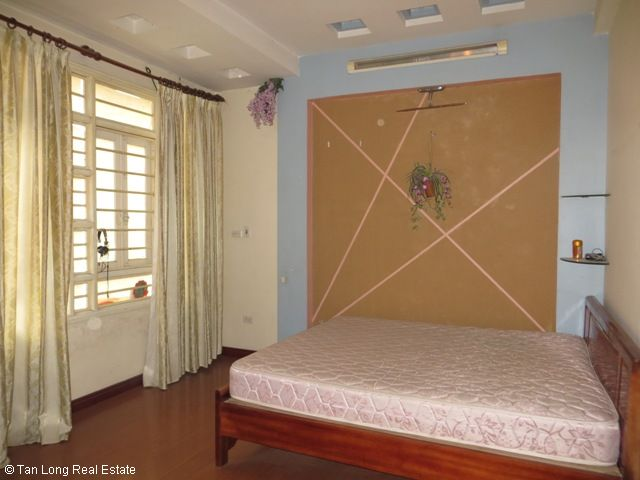 4 fully furnished house to rent on Tran Duy Hung street, Trung Hoa Nhan Chinh area, Cau Giay district 1