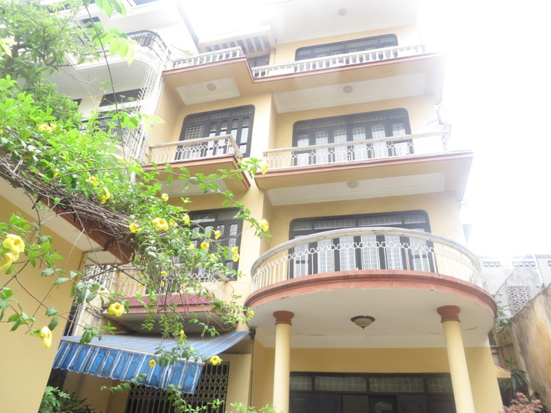 4 storey house for rent in Van Huong Lane, Ton Duc Thang street, Dong Da district