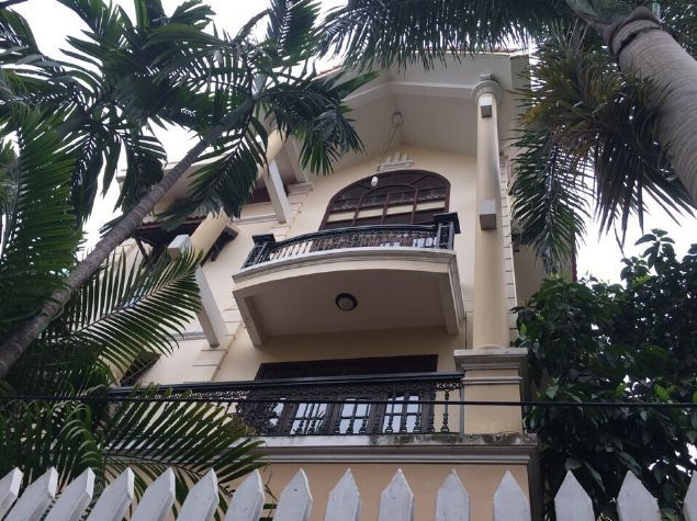 4 storey house to rent in Tay Ho street, no furniture