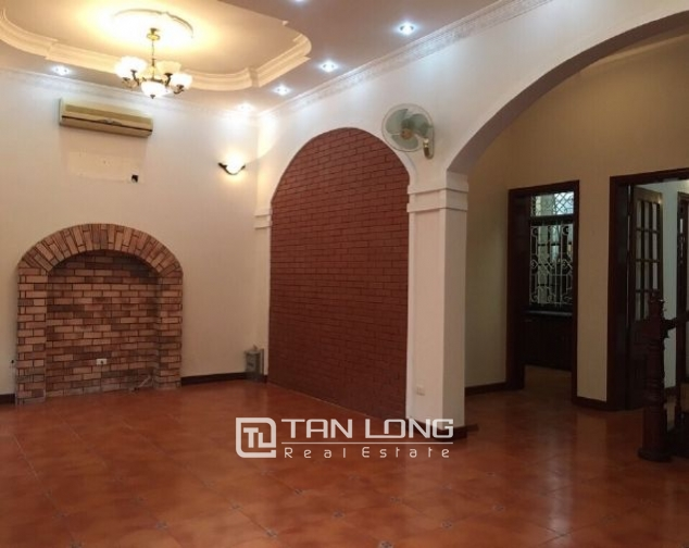 4 storey house to rent in Tay Ho street, no furniture 5